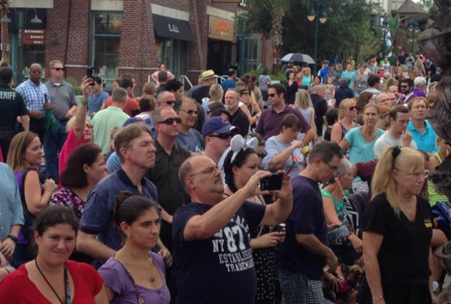 9/29/15: Lunchtime crowd gathers at DTD for the name changing ceremony.